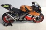 Honda RC211V im Maßstab 1:12
